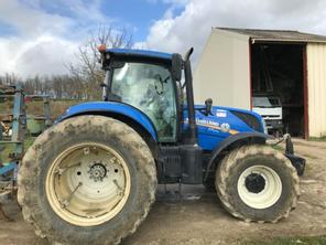 New Holland T7-270 AC