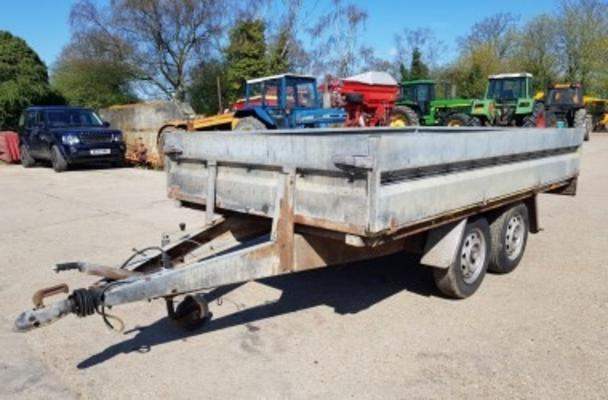 BRENDERUP 10' X 5' TANDEM AXLE CAR TRAILER