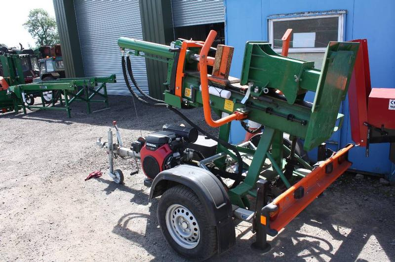 Posch Trailed 20T HydroCombi Log Splitter