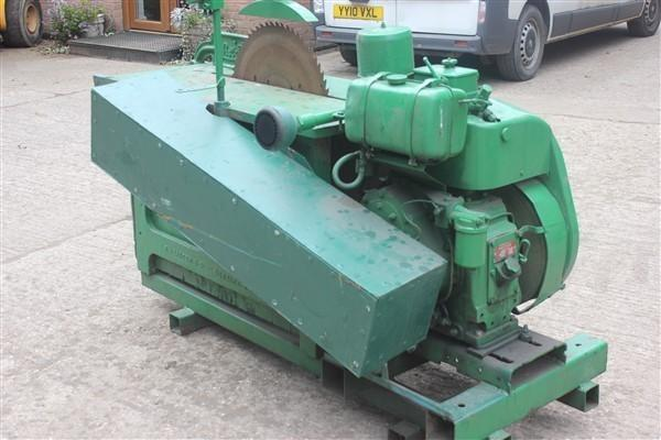 Autres SINGLE CYLINDER DIESEL SAW BENCH