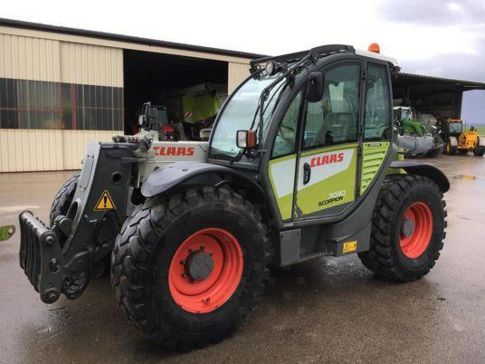 Claas SCORPION7030