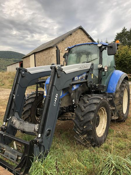 New Holland T595