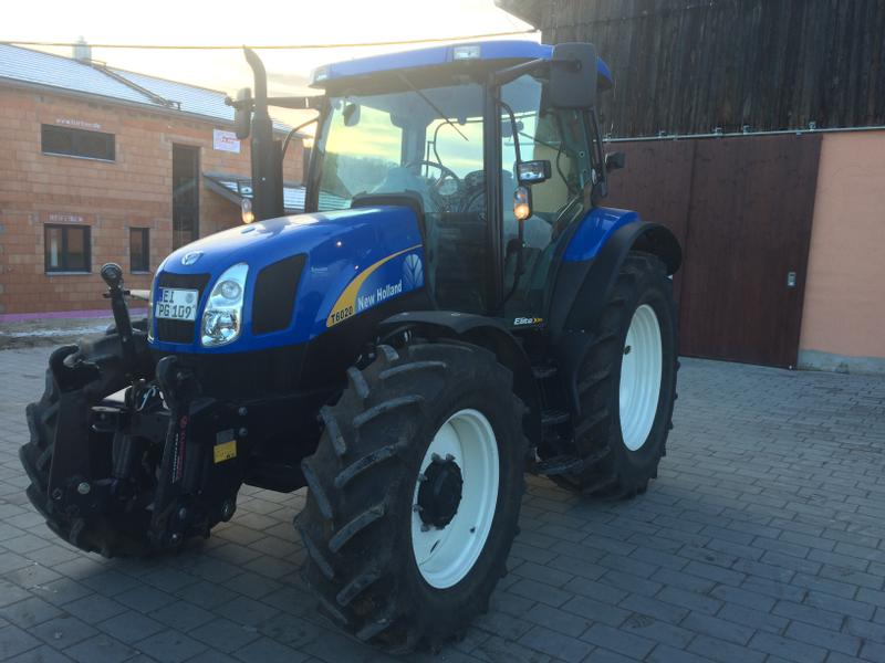 New Holland T6020 Elite