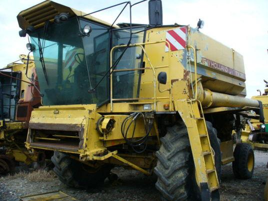 New Holland PIECES OCCASION POUR MOISSONNEUSE-BATTEUSE NEW HOLLAND TX 36